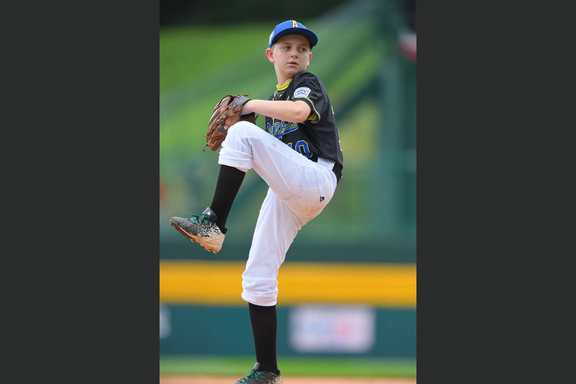 AUS pitcher
