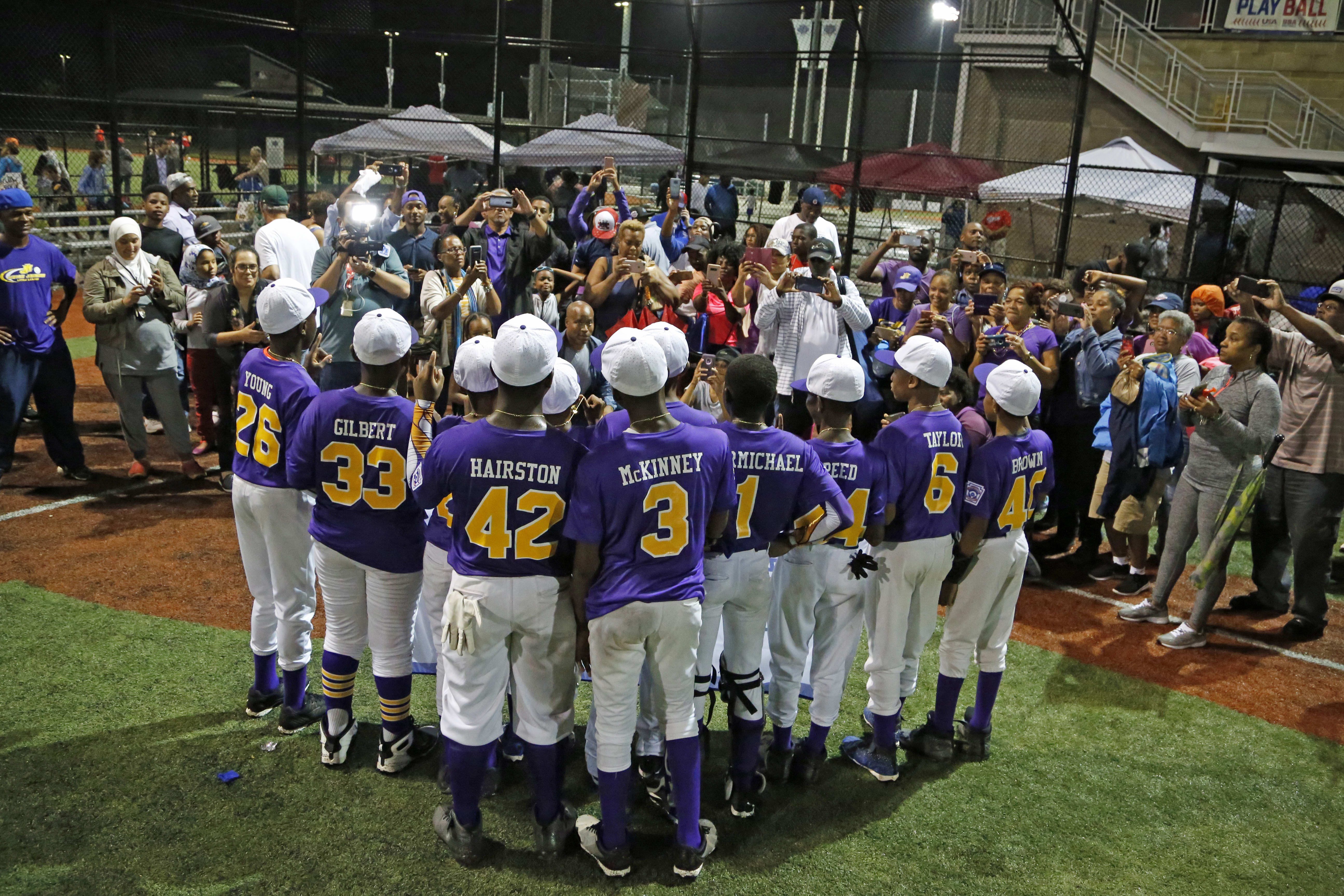 Mamie Johnson Little League celebrates with family after winning