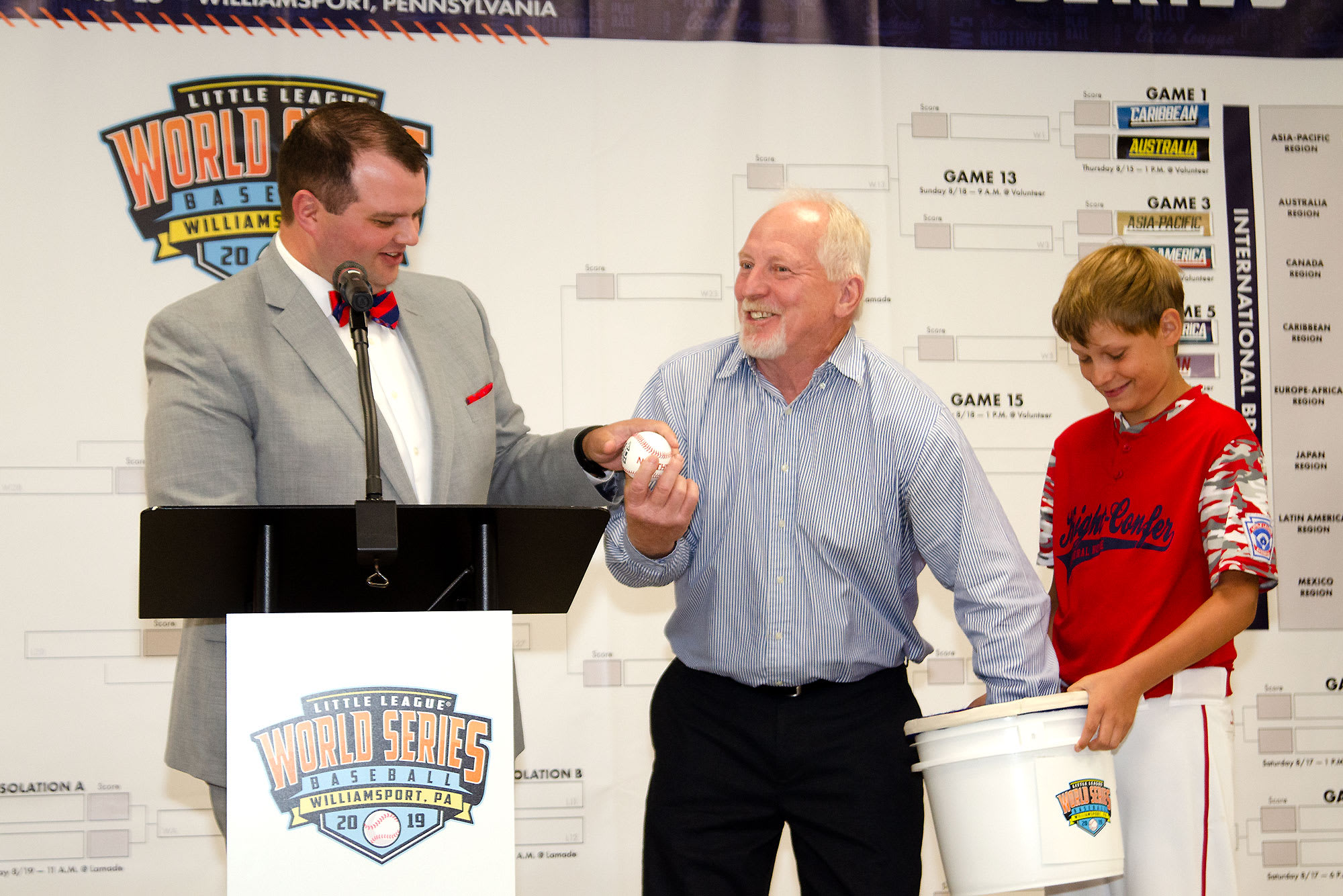 2019-llbws-luncheon-ball-drawing