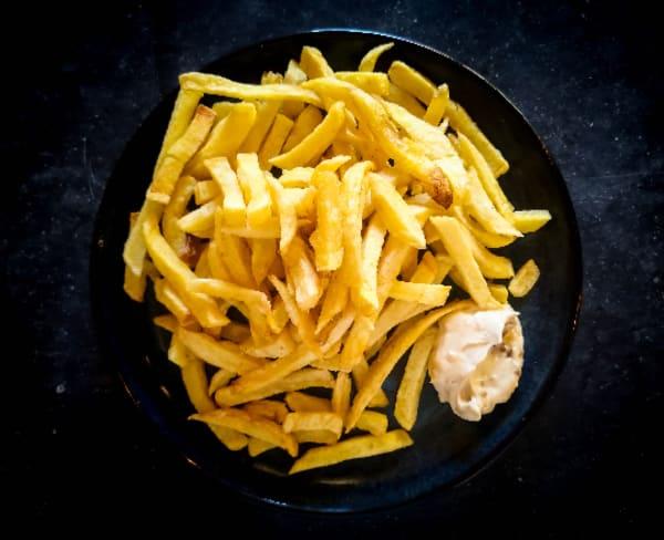 Batatas fritas caseiras