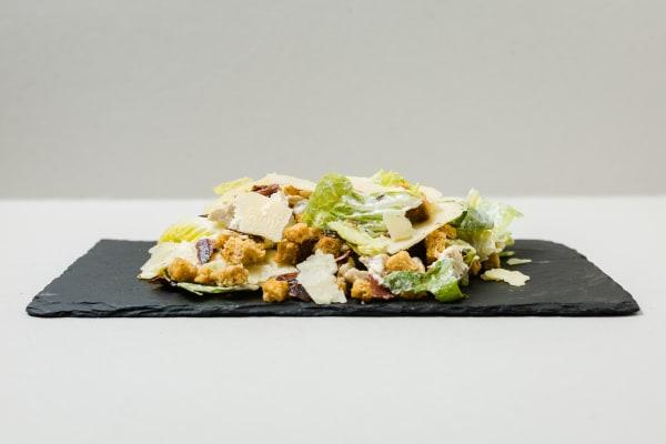 """A """"Nossa"""" Salada César com Frango"""