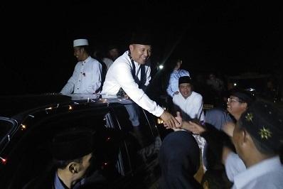 Diarak Ribuan Warga, Mustafa Keliling Pawai Takbir Idul Adha di Seputihraman