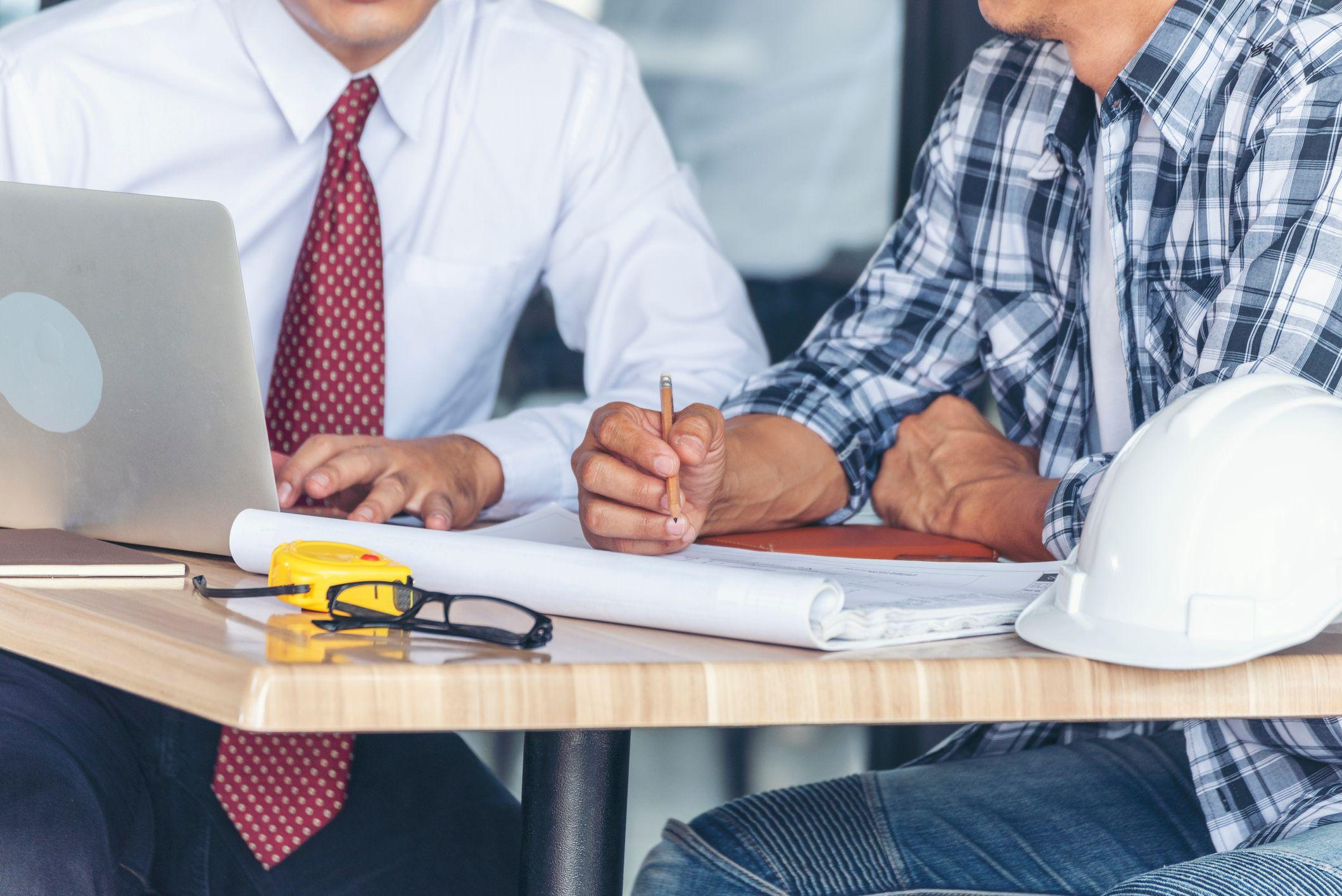 Jaké náležitosti musí obsahovat platná pracovní smlouva?