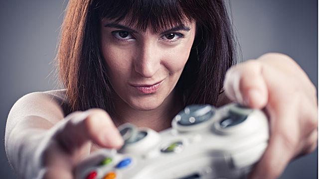 female-gamer-controller-8933b.jpg
