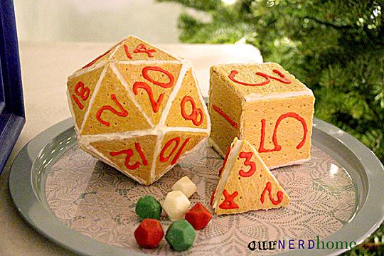 geek-holiday-d20-gingerbread-house-763e1.jpg
