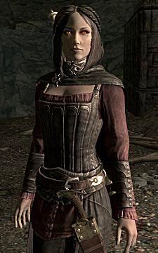 Skyrim mage Serana in her typical garb