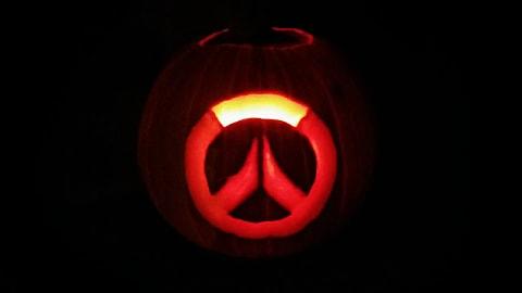 21 Nerdtastic Video Game Pumpkin Carvings You Can Diy This Halloween