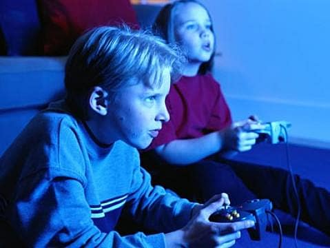 video games and their violent impact It's the amount of time spent gaming that has a greater impact violent video games don't influence kids or whether video games alter their personalities.