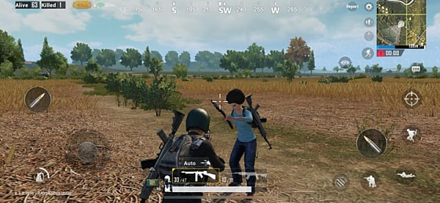 PUBG Mobile player coming upon another player or perhaps a bot