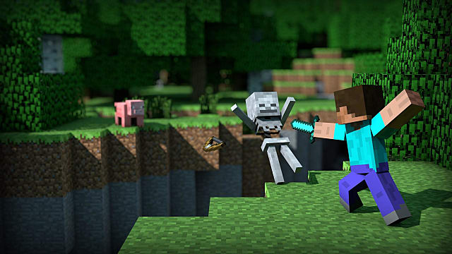 Hitting a skeleton mob off a cliff in Minecraft