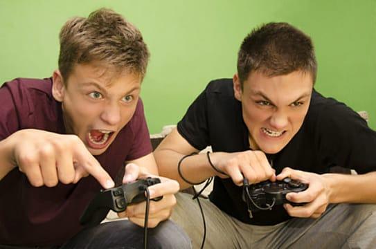 playing-video-games-542a0.jpg
