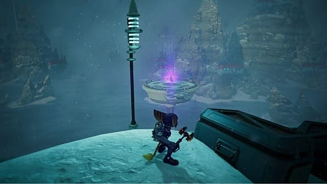Ratchet standing on a snow mound while looking to a floating platform.