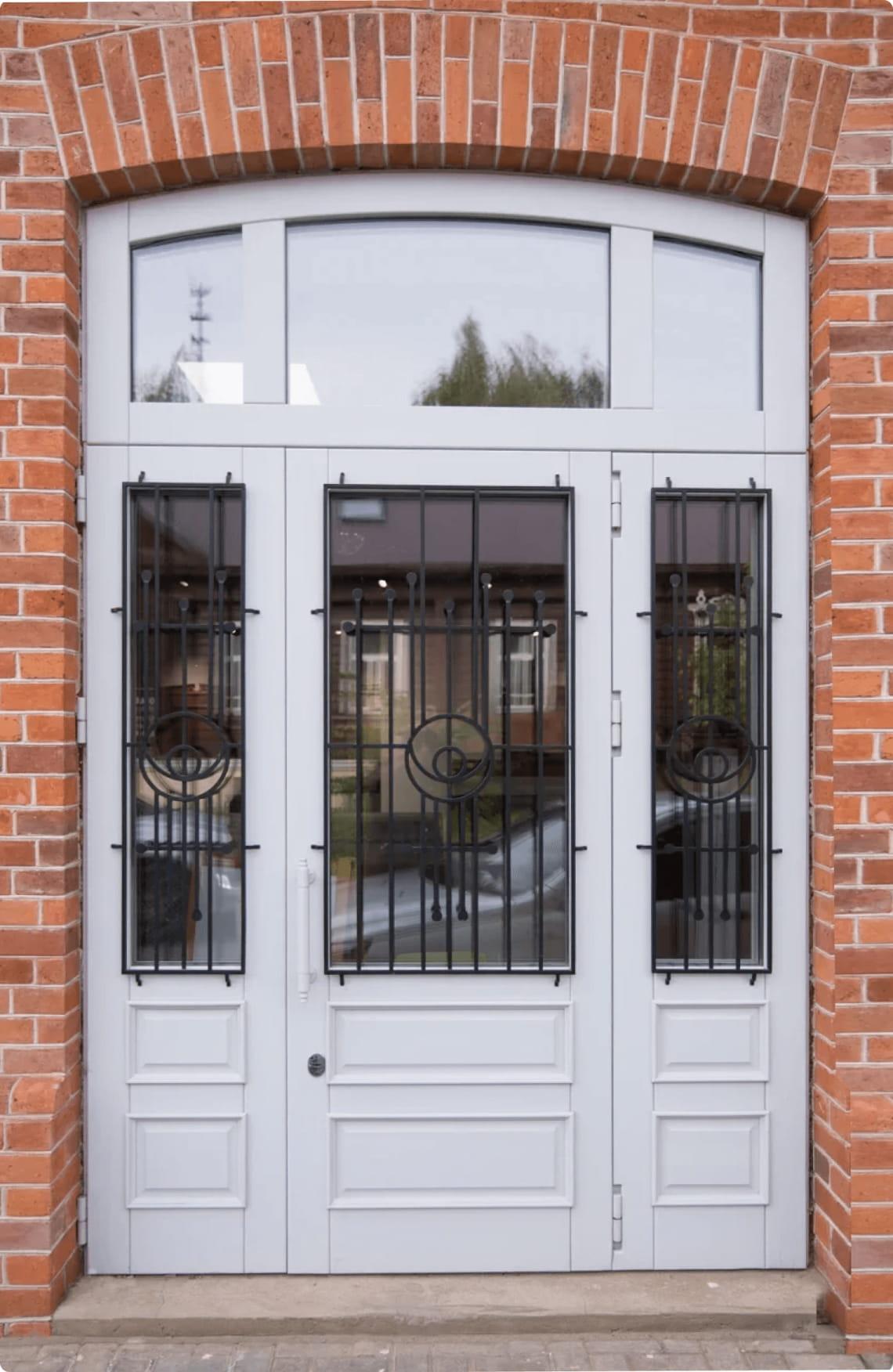 Пример входной двери 12