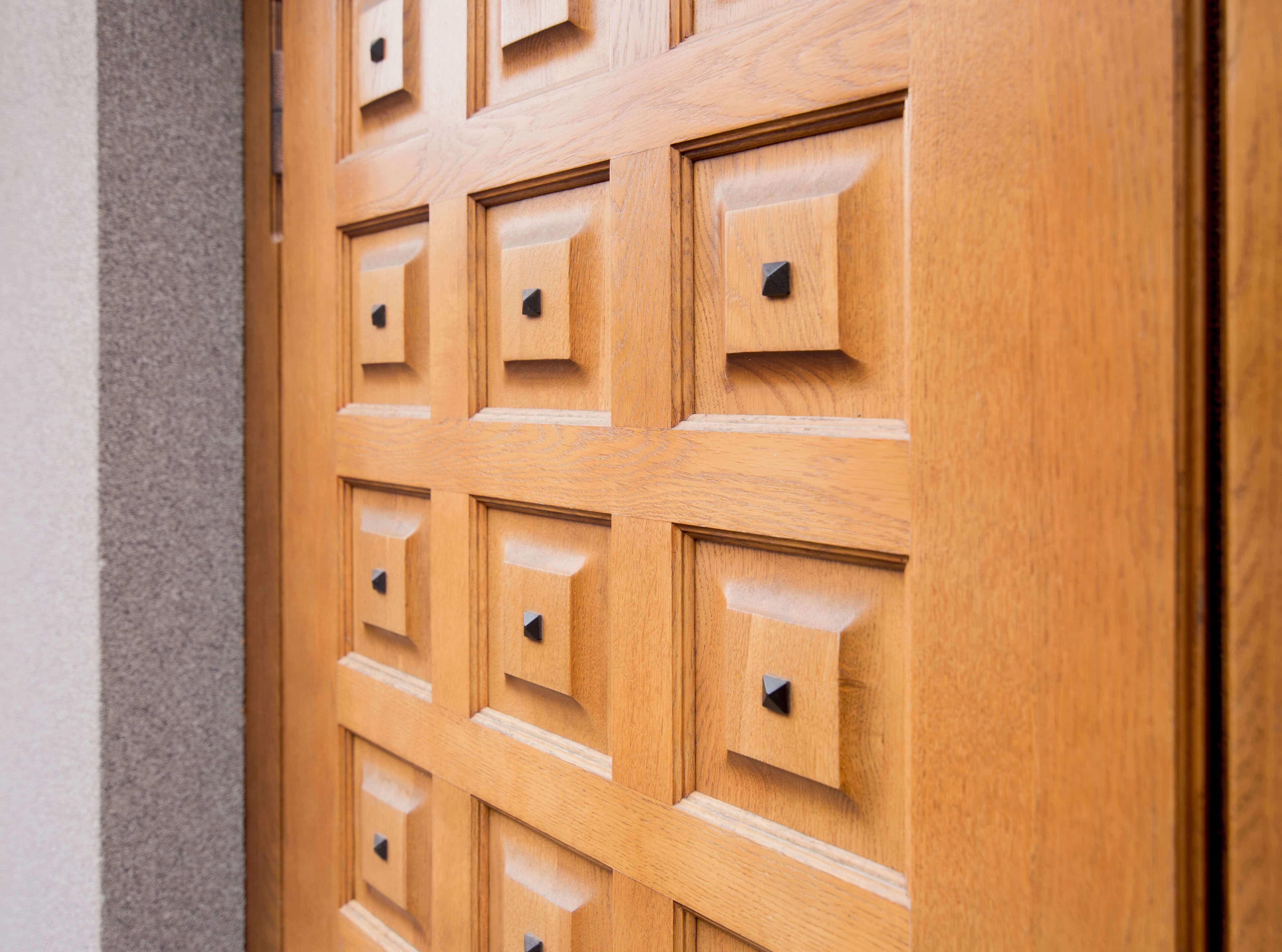 Пример входной двери 14