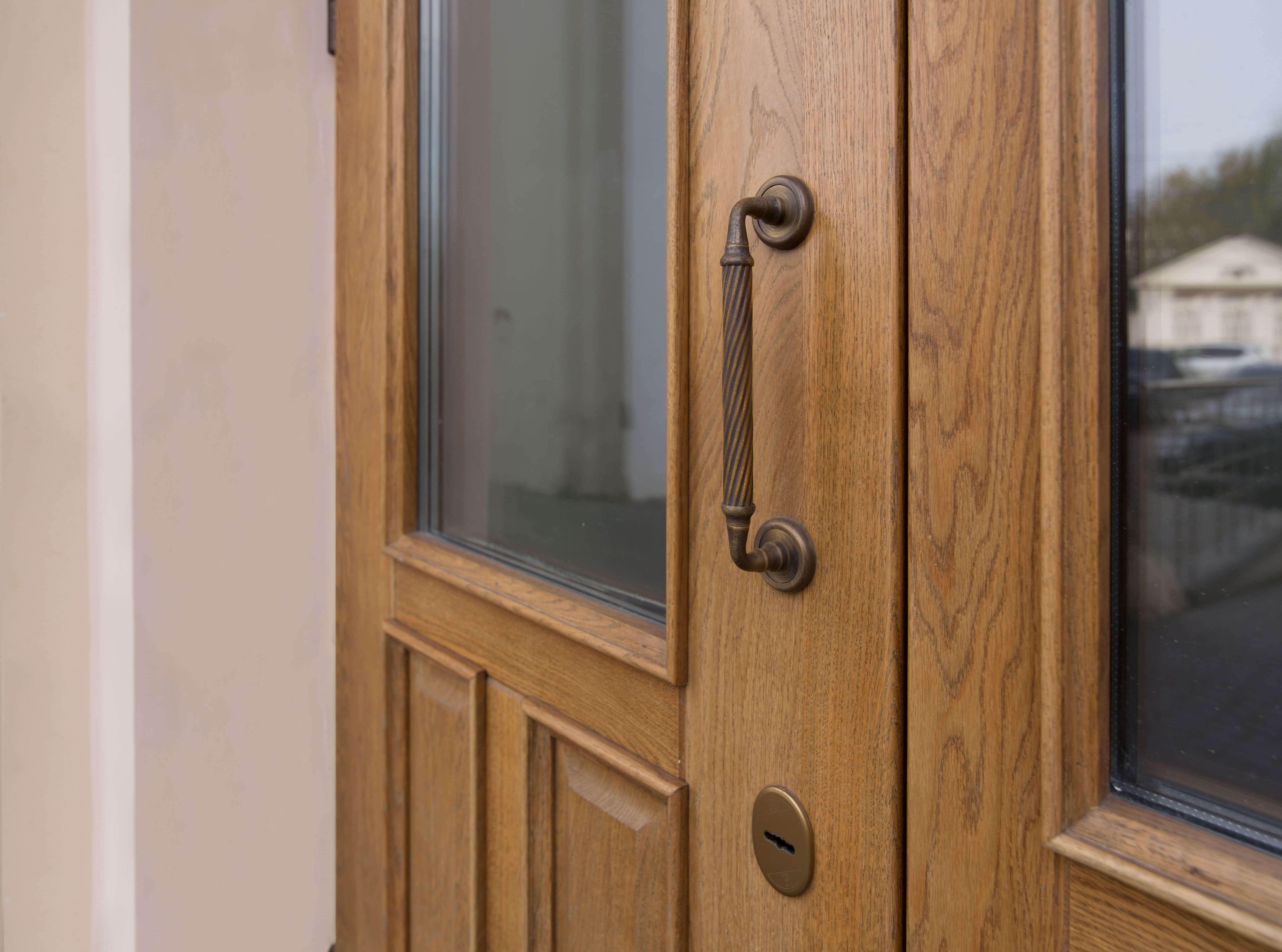 Пример входной двери 2