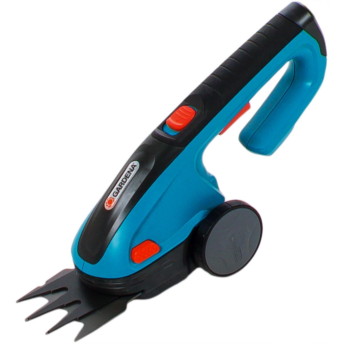 Ножницы аккумуляторные Gardena Classic Cut с телескопической рукояткой