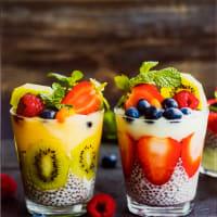 Картина на стекле «Йогурт с ягодами», 30х30 см