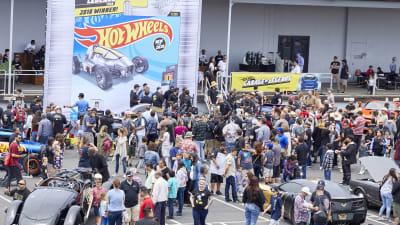 massive crowd at Hot Wheels Legends Tour