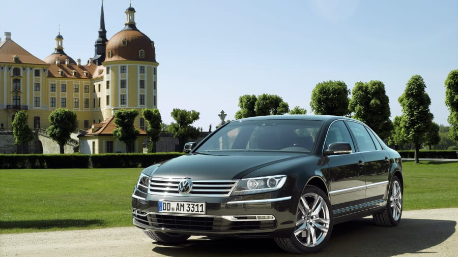 Volkswagen Phaeton parked building church dome