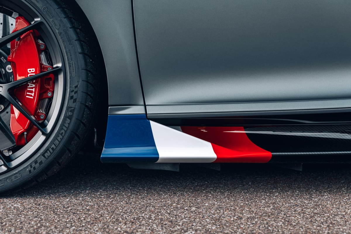 """The Bugatti Chiron Sport """"Les Légendes du Ciel"""" pays homage to the """"Golden Decade"""" racing drivers with the French flag colors."""