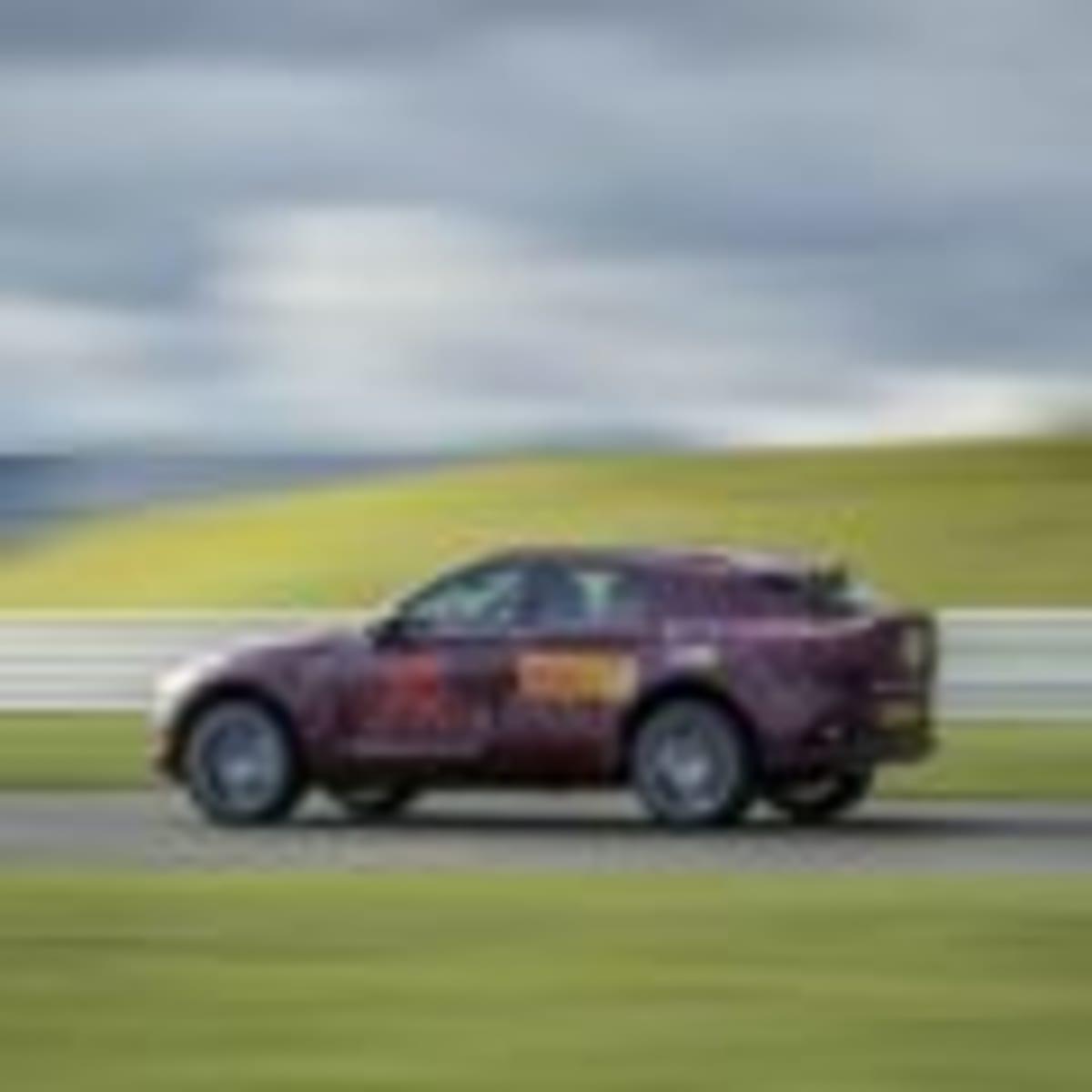 Aston Martin DBX – Prototype – 3