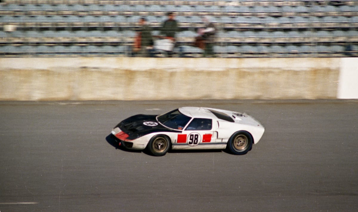 The #98 Ford GT40 driven by Ken Miles to win the 1966 24 Hours of Daytona. ford gt heritage edition