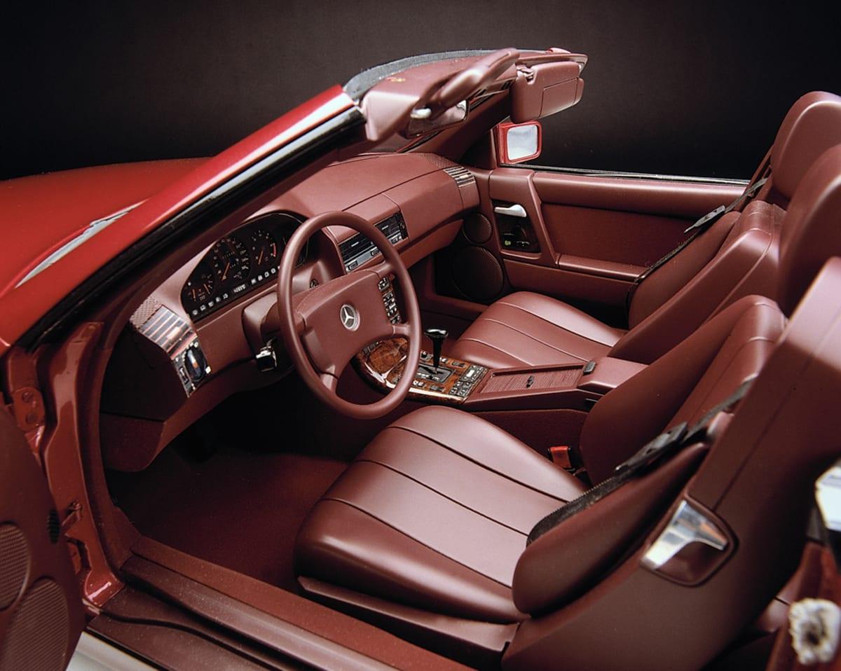 1989 Mercedes-Benz 300 SL R129 (courtesy Mercedes-Benz Media)