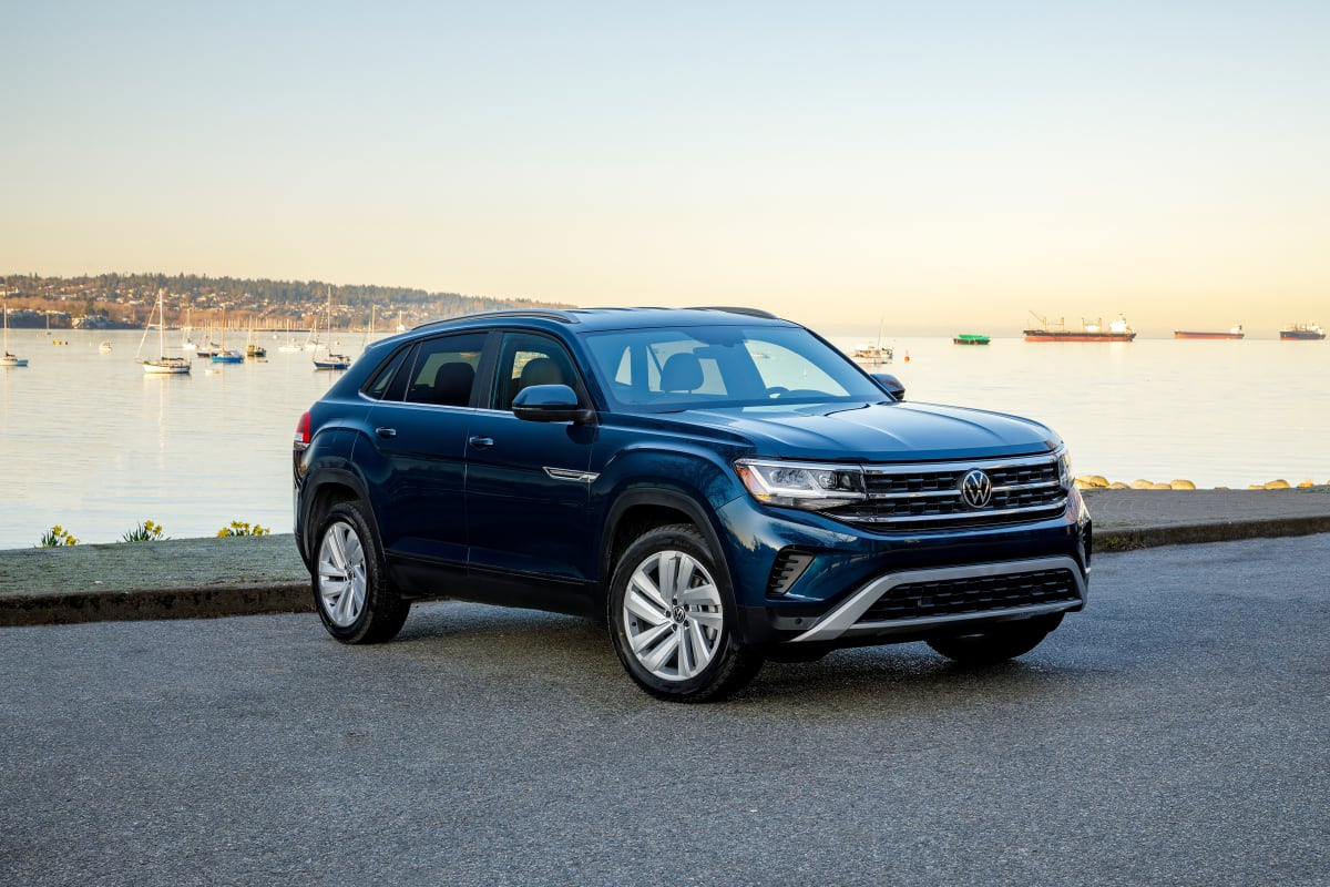 2020 VW Atlas Cross Sport SE in Tourmaline Blue