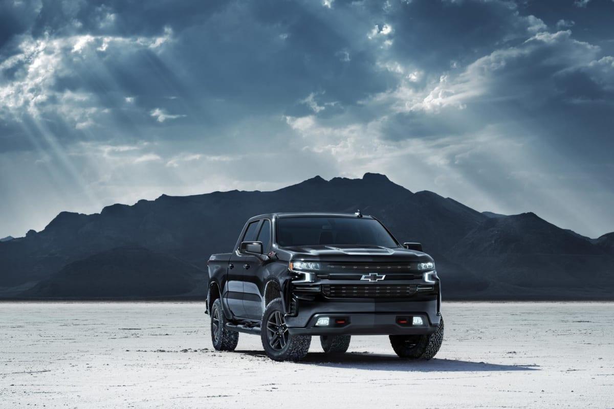 2020-Chevrolet-Silverado-Midnight-Edition