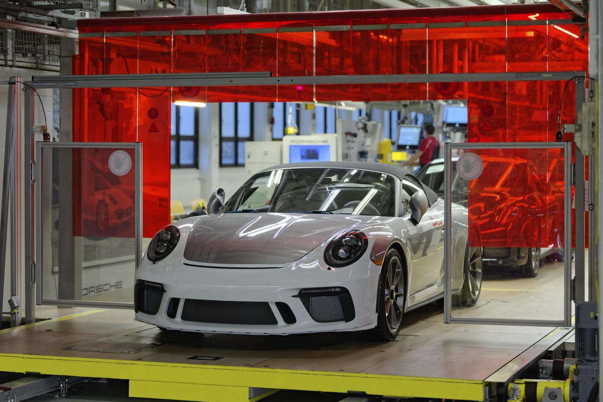 991 Generation of the 911 comes to an end