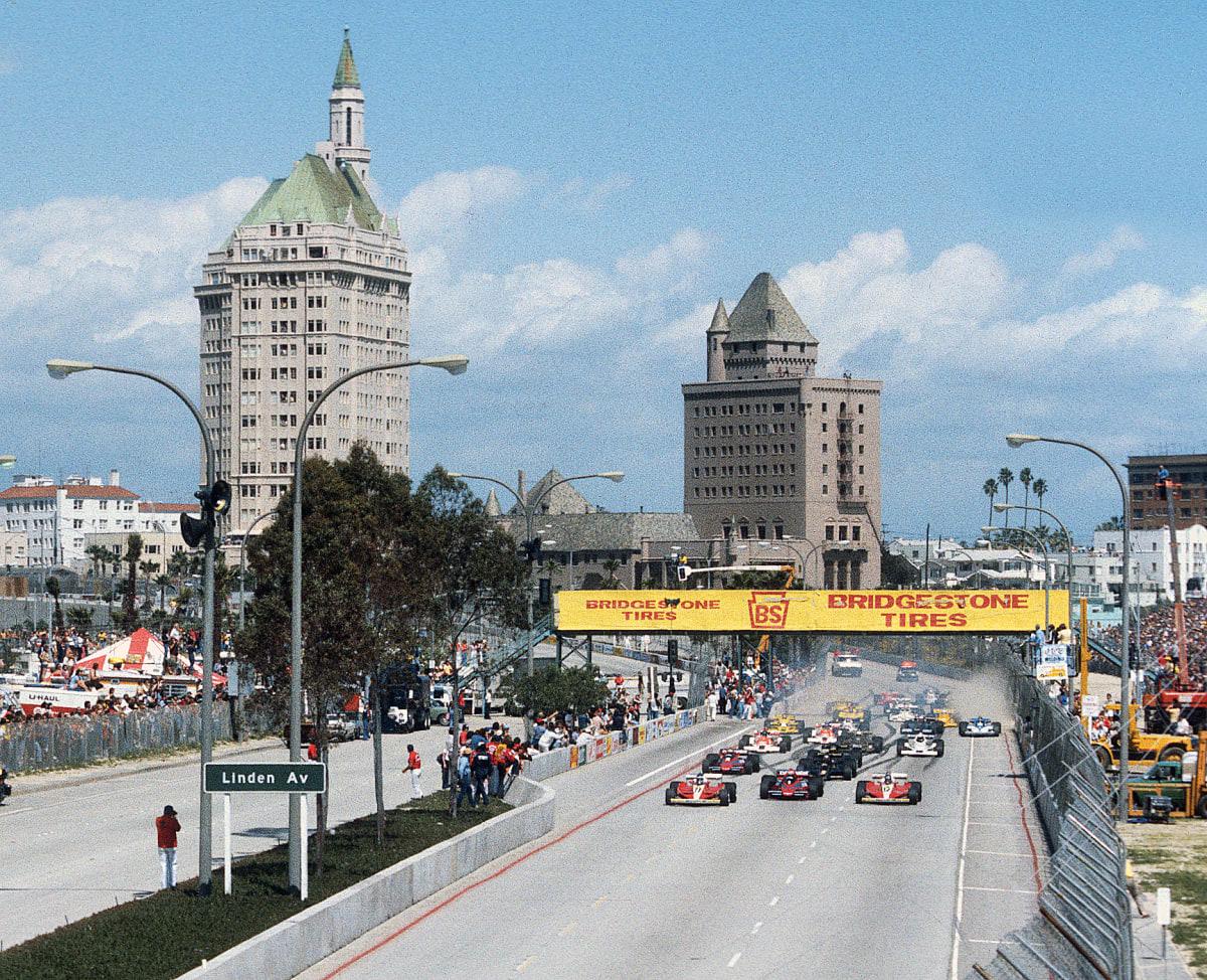 Formula 1 cars at Long Beach (© Pete Biro)
