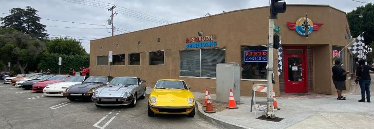 Autobooks- Aerobooks store in Burbank. The Z brotherhood responded to the call.