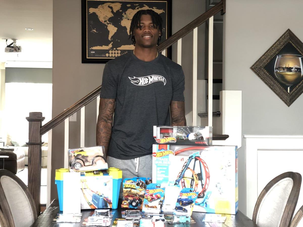 Tee Higgins donates $5,000 of Hot Wheels to his local Boys & Girls Club