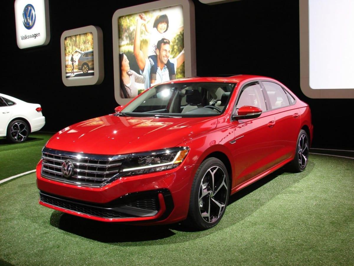 The new Volkswagen Passat (Mark Dapoz)