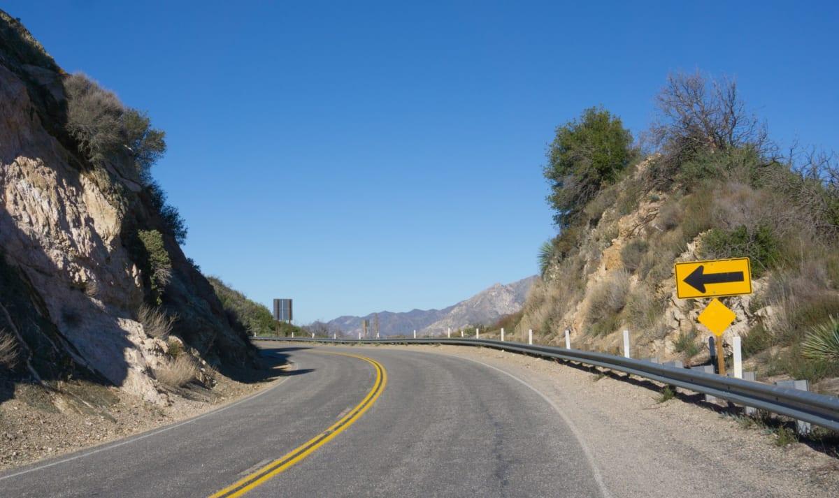 Angeles Crest Highway (photograph by Ken Kistler for publicdomainpictures.net, in the public domain)