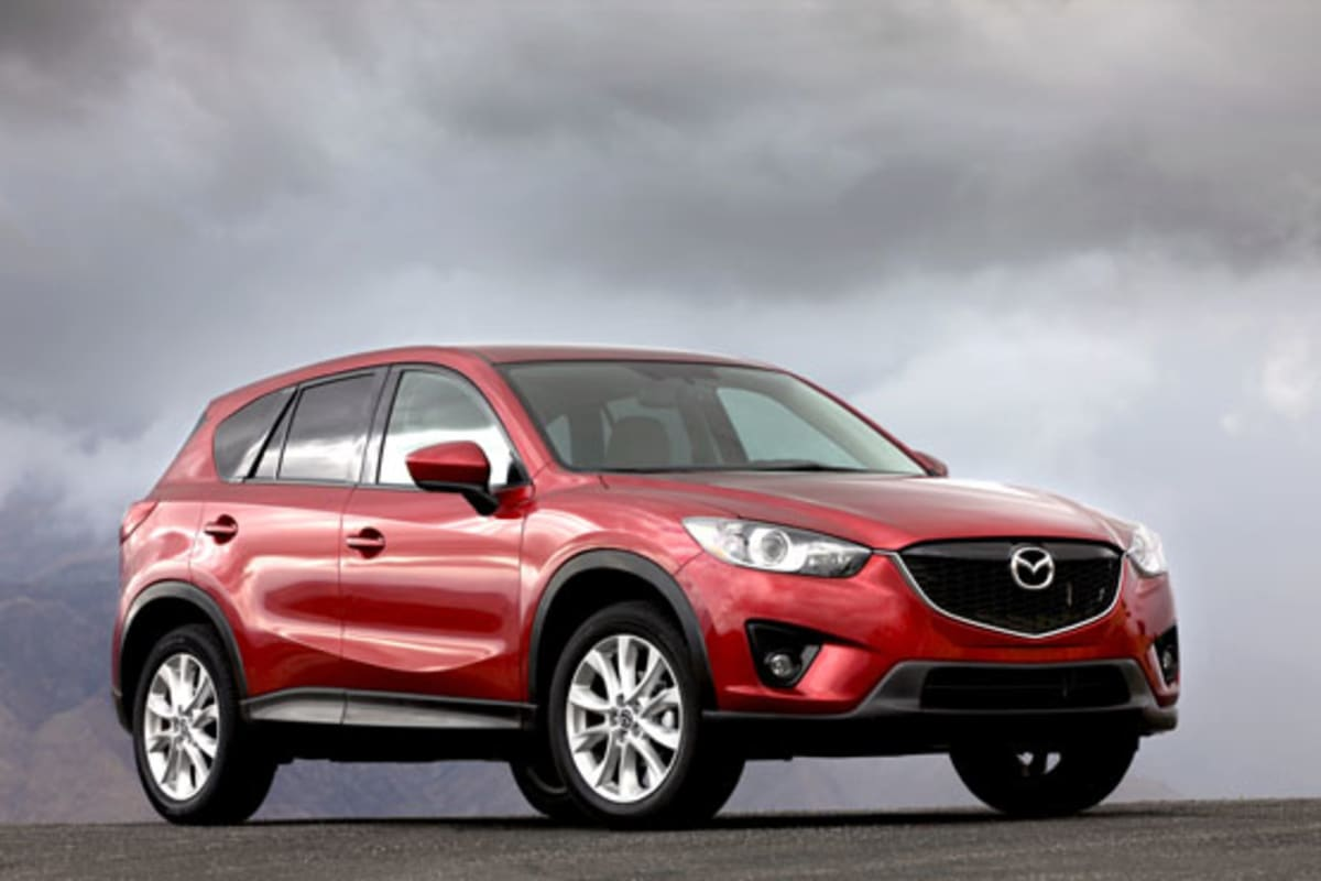 1-2013_Mazda_CX-5_red_front