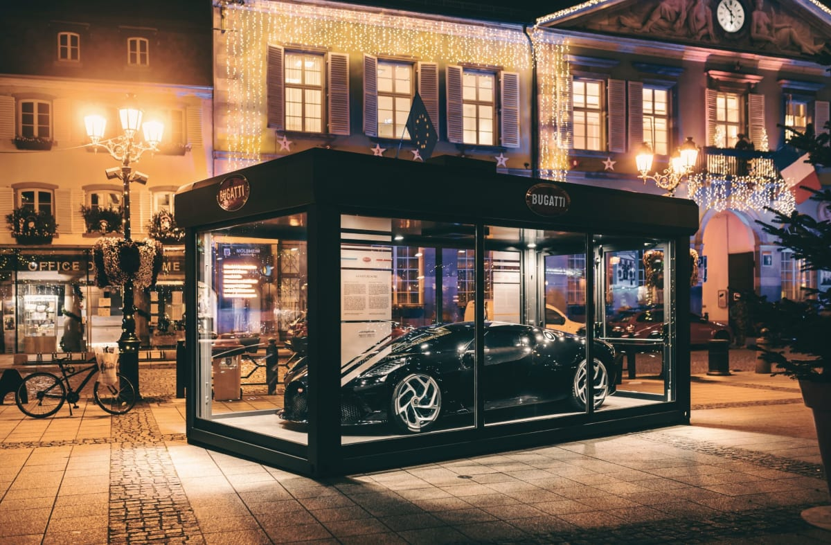 A well-wrapped Christmas present: Bugatti presents the Bugatti La Voiture Noire in Molsheim, the headquarters of the brand since 1909.