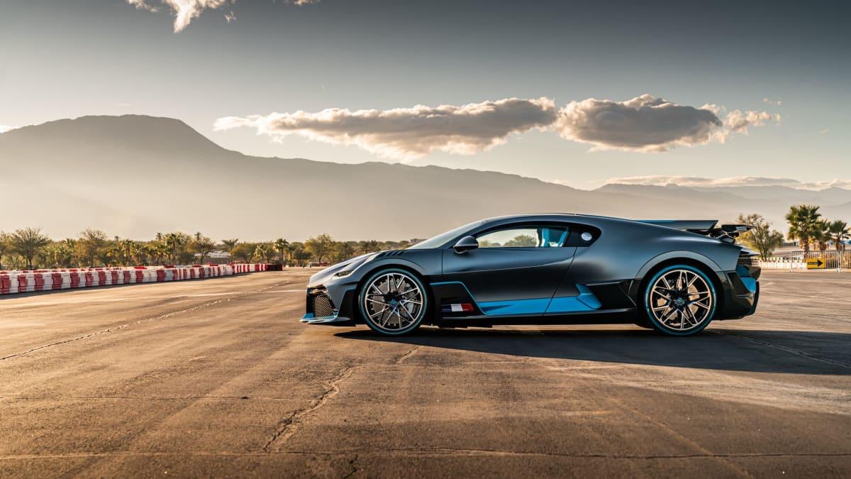 In action: the Bugatti Divo in Divo Titanium Silver Matt. © Robert Grubbs Photography