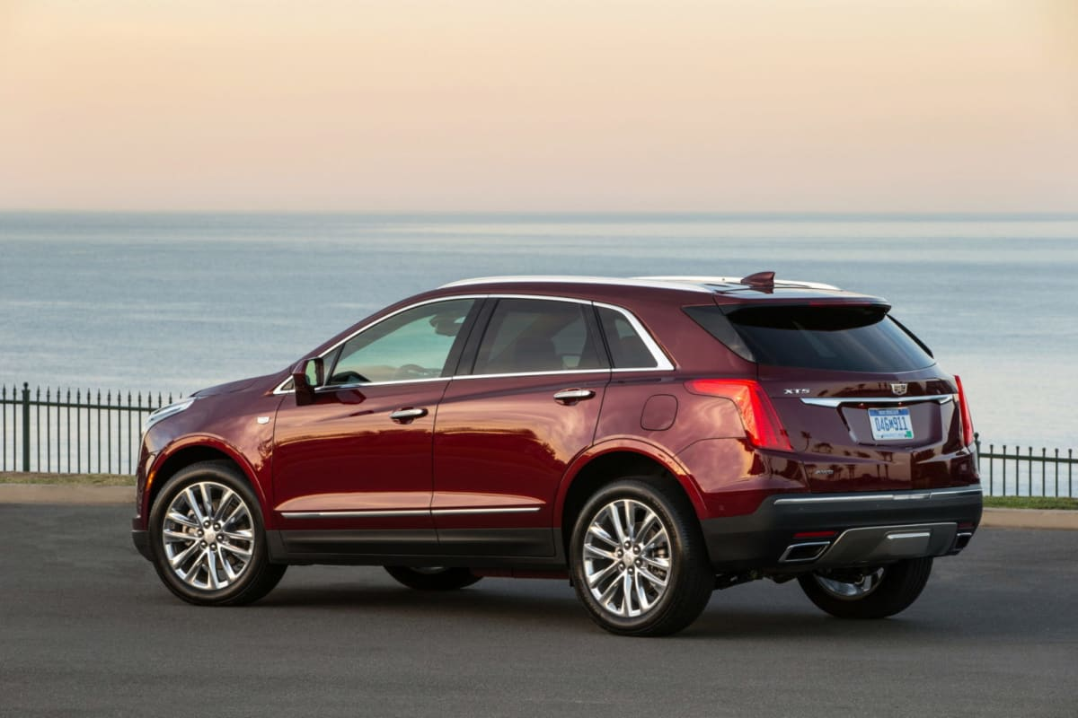2019 Cadillac XT5 Platinum – perfect for that sunset picture by the ocean