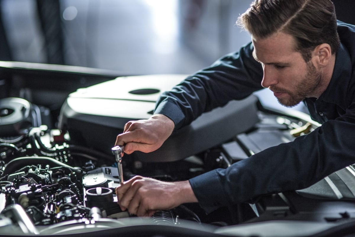 Volvo Car USA lowers student debt for incoming automotive technicians.