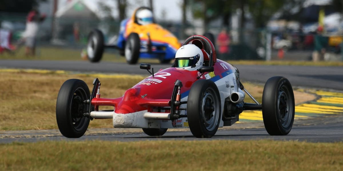 Andrew Whiston winning the 2019 Formula Vee National Runoffs (photo by SCCA)