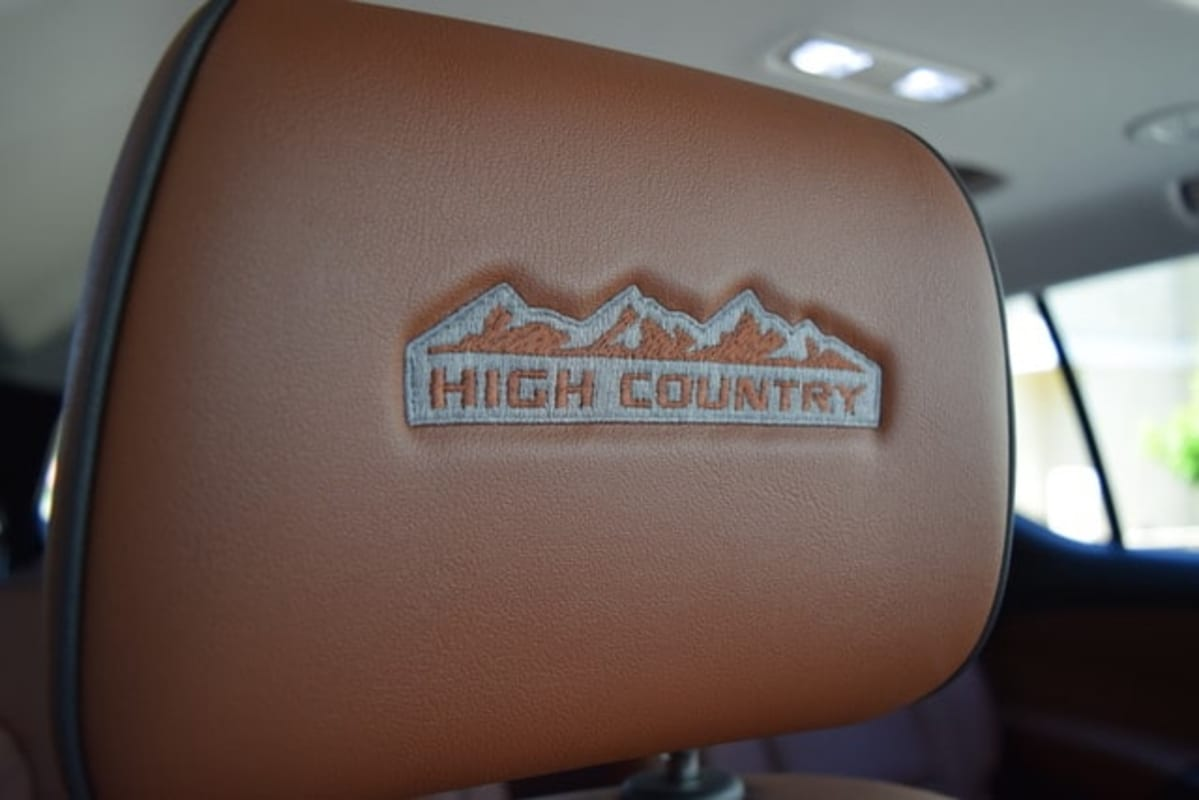 2020 Chevrolet Traverse High Country AWD headrest