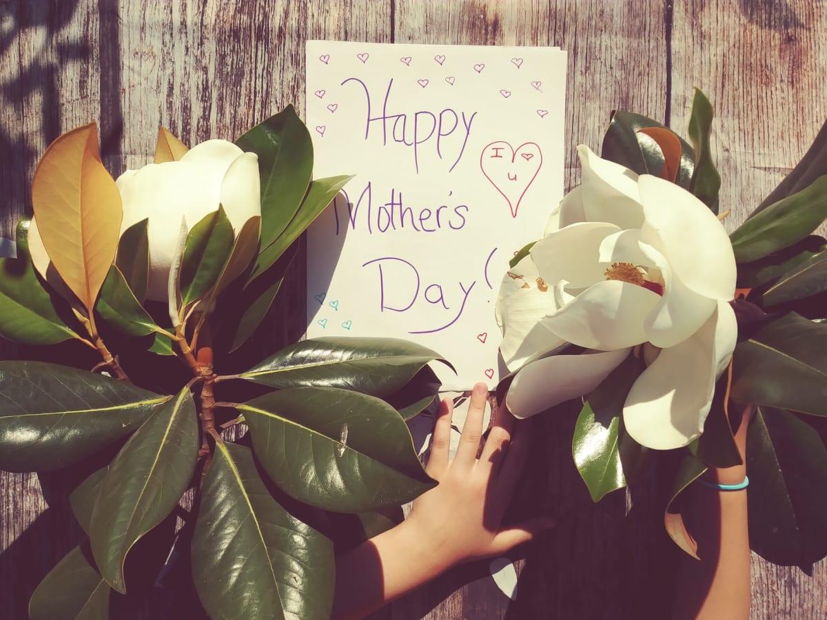 Happy Mother's Day! PC: @karolinabobekbobek