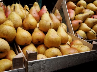 Pears on the Green Market