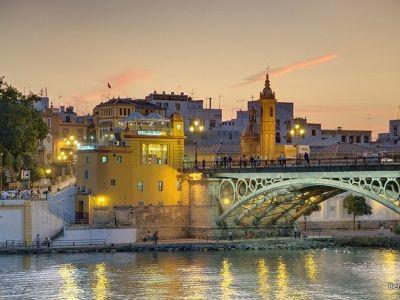 Puente de Triana (Triana Köprüsü)