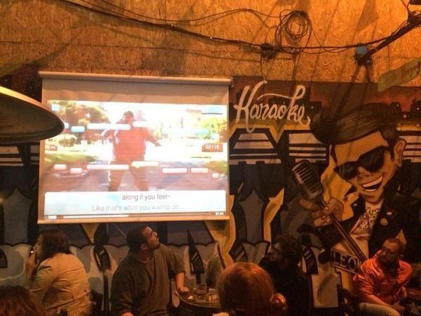Karaoke Pub
