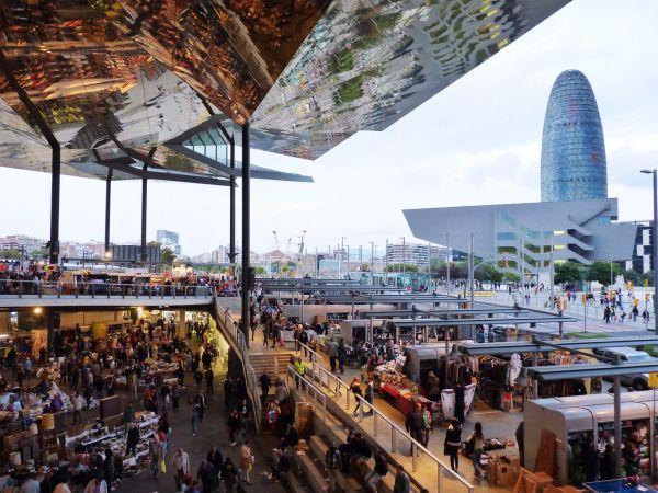 Torre Agbar-Els Encants flea market