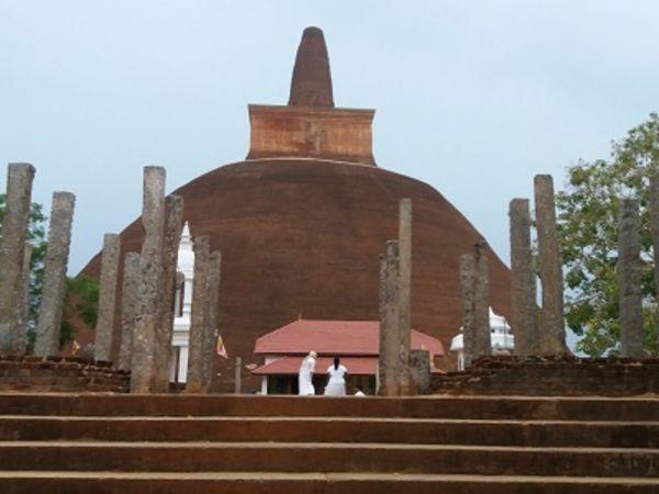 Abhayagiriya Monument