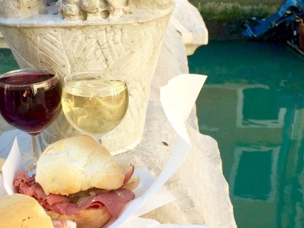 Da lele/Vino and panino