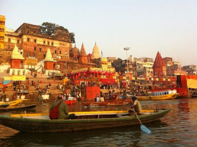 Boat ride covering over 20 ghats